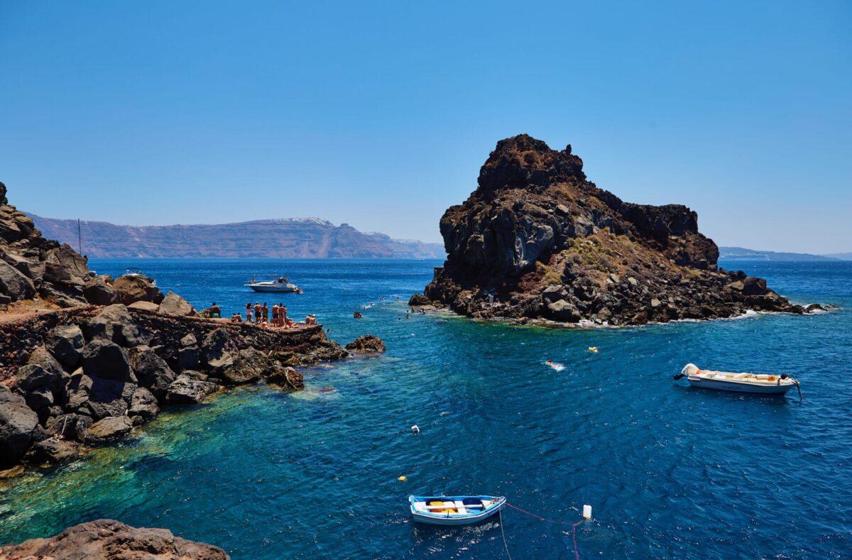 The top Santorini Beach bars worth to visit