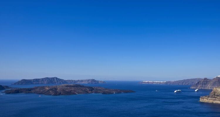Santorini travel guide Greece